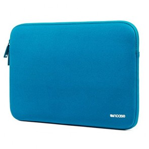 Incase Neoprene Classic Sleeve for MacBook Pro 15 in Peacock