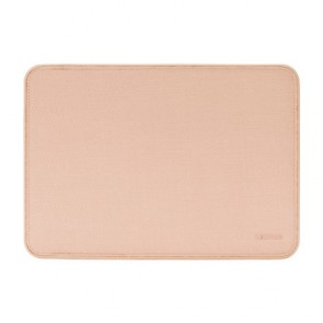 Incase ICON Sleeve with Woolenex for 15-inch MacBook Pro - Thunderbolt 3 (USB-C) - Blush Pink