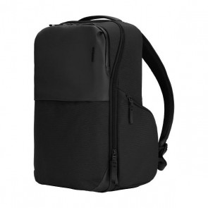 Incase Core Daypack Pack- Black